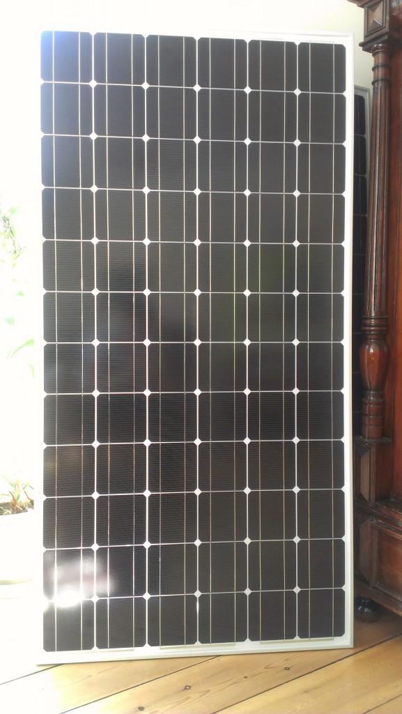et billede af et solcellepanel